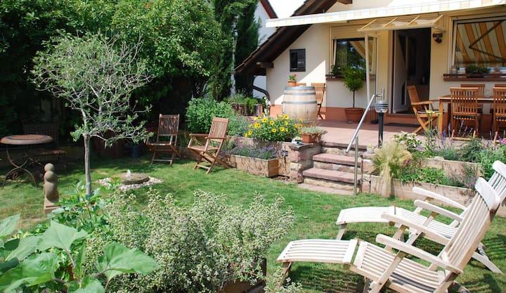 Gartenhaus am Weinberg in Böchingen -3 x Dusche/WC