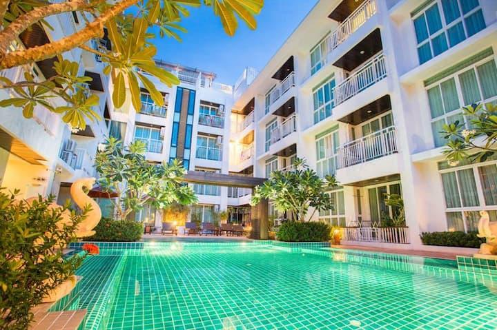Nice 2 BDR apartment + jacuzzi   ( Koh samui)