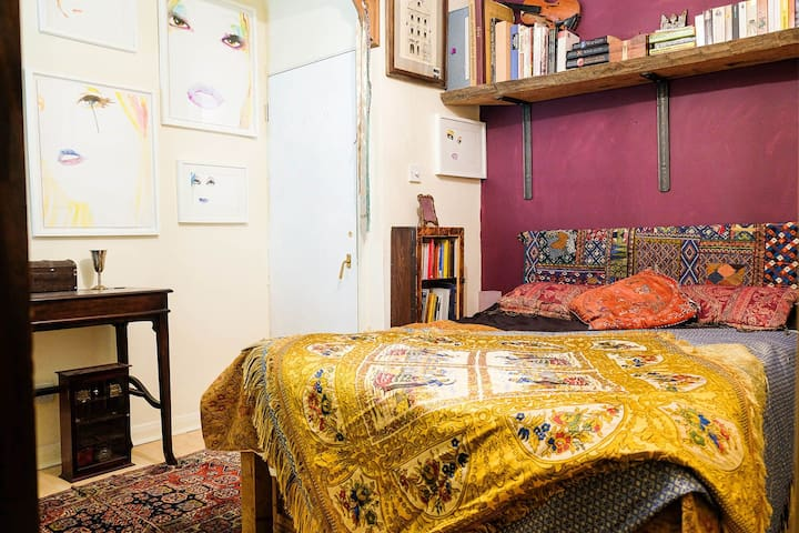 Double room owned by artist/designer, East Dulwich
