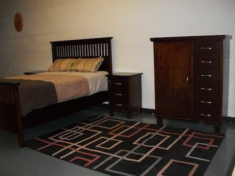 Private Room in a unique retreat