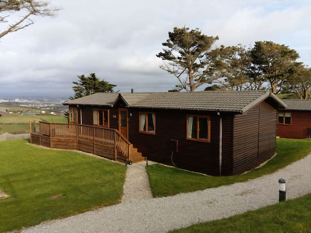 The 'Rosechard' family friendly & luxury Lodge 29.