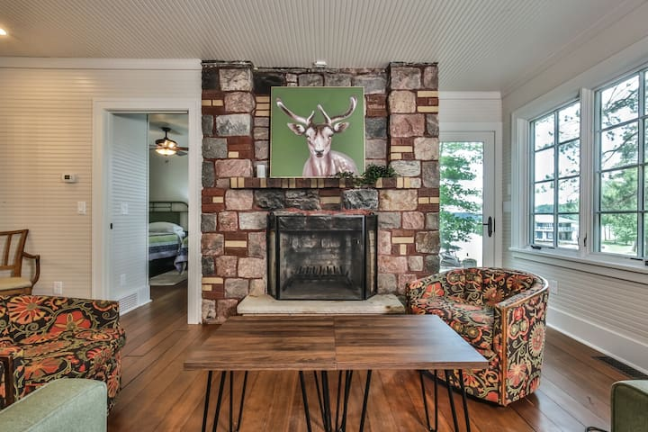 Indian Point Manor Cottage - Hiller Vacation Homes