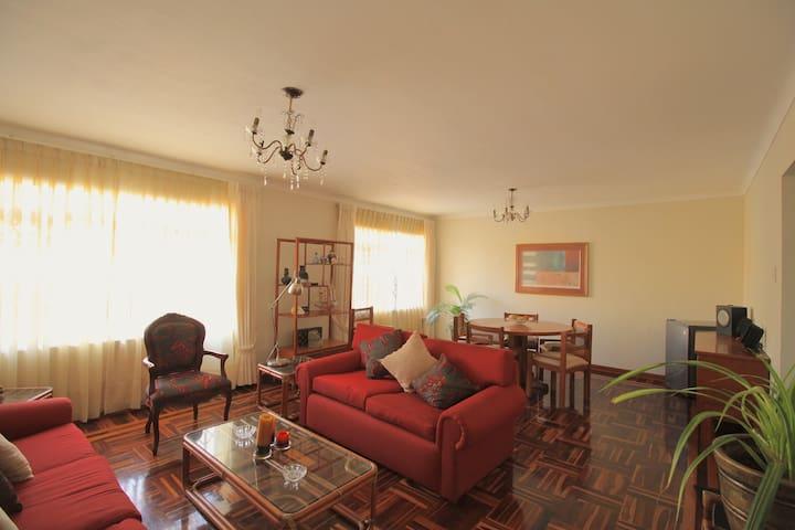 Bonito Piso a 10min de aeropuerto - Lima - Apartment