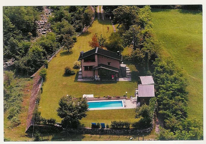 Villa with Pool and Lake View - Colico - Villa