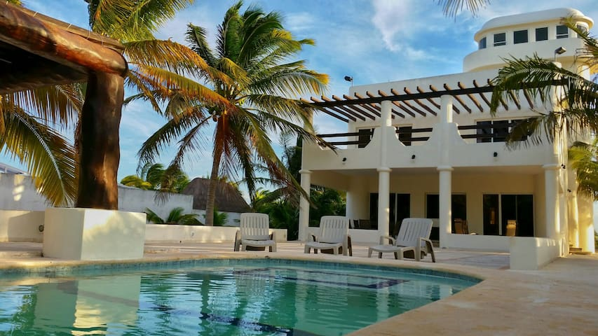 Beautiful beachfront home in Yucatán - Progreso - House