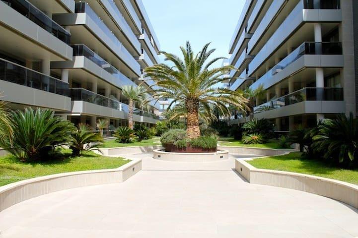 Ground Floor 2 Bed/2 Bath APT- 10% off for Apr 17 - Ibiza - Appartement