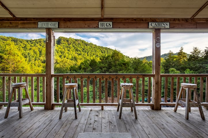 Local Song Writers Private Getaway near State Park