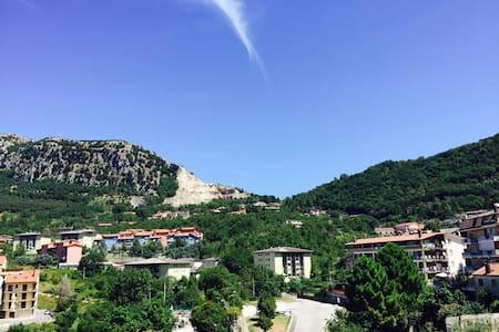 Spacious Apt with Mountain View near Salerno