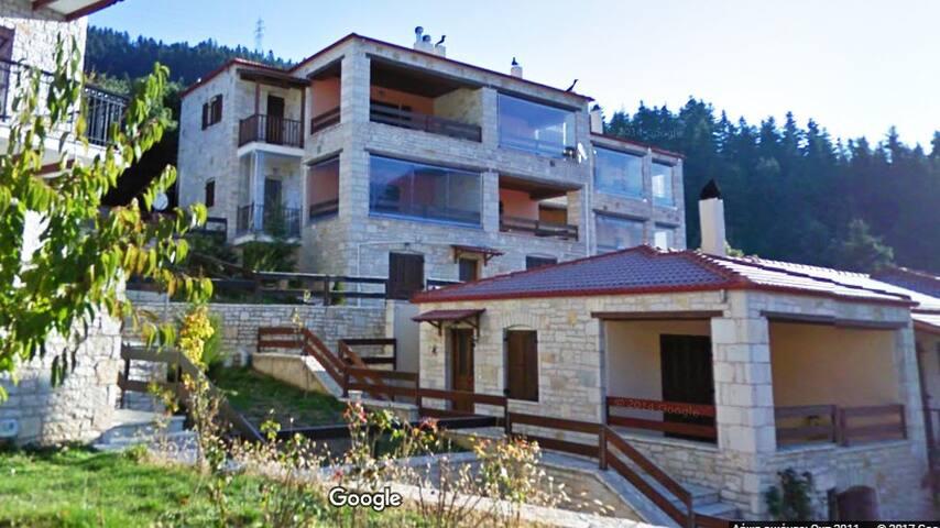La Casa di Pietra (Γοριανάδες Ευρυτανίας)