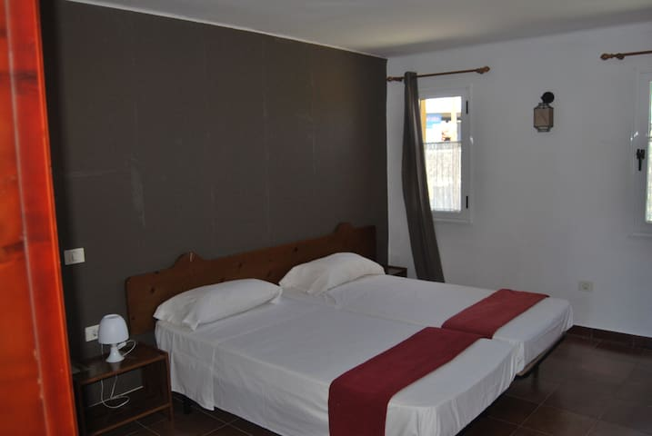Double room with private bathroom - La Aldea de San Nicolás  - Bed & Breakfast