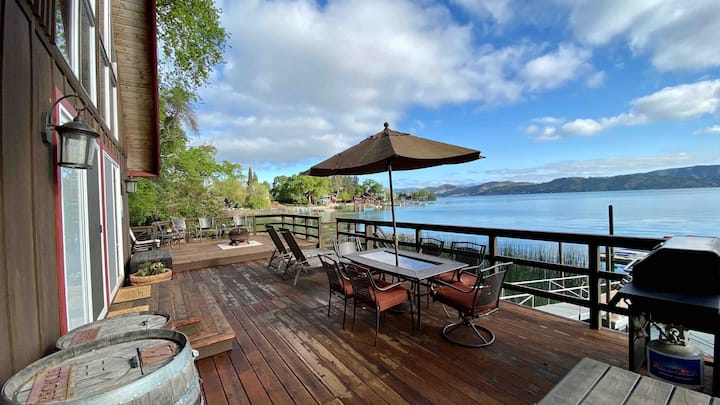 Beautiful Lakefront Cabin on Clear Lake, Ca
