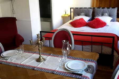 Top 20 p rigueux accommodation holiday rentals holiday for Aquacap perigueux piscine