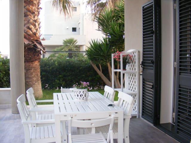 Casa vacanze Il Fico d'india. A 150 m dal mare - Santa Maria del Focallo - Villa