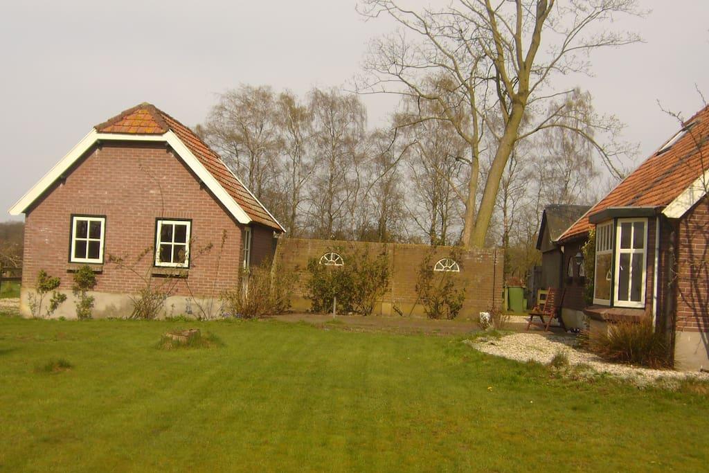 Bakhuisje bij woonboerderij chalets te huur in for Woonboerderij te koop veluwe
