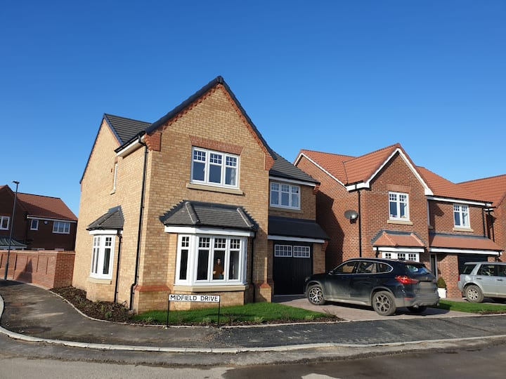 Stunning detached 4 bed roomed house new build.