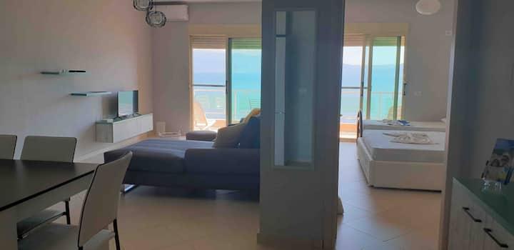 Sun 'n' Sand Apartment