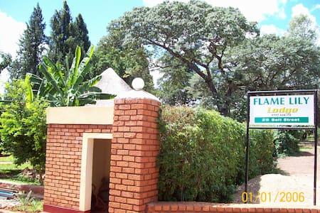 Flame Lilly  Lodge Shurugwi - Gweru