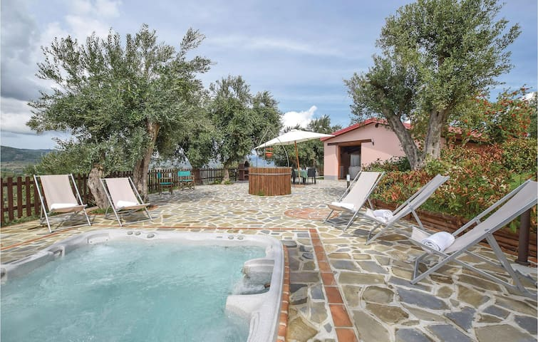 Holiday cottage with 3 bedrooms on 130m² in Stella Cilento SA