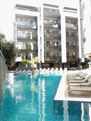 Cleopatra 5-star brand-new apartment