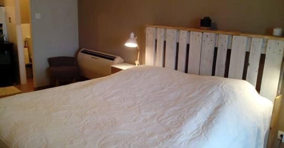 "Room ""La Canauloise"""