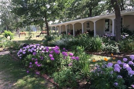 Rollingwood Farm - Rosanky - Dům pro hosty