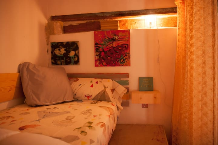 cama individual hab 1