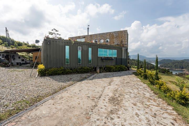 CONTAINER HOUSE (CASA CONTENEDOR)