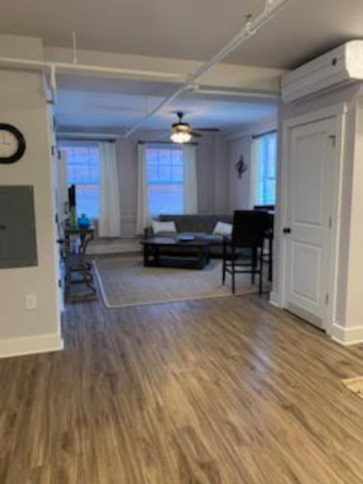 One bedroom apartment in Historic Downtown Concord