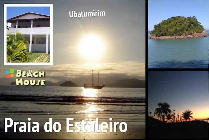 Sua casa no paraíso... Frente ao mar do Estaleiro!