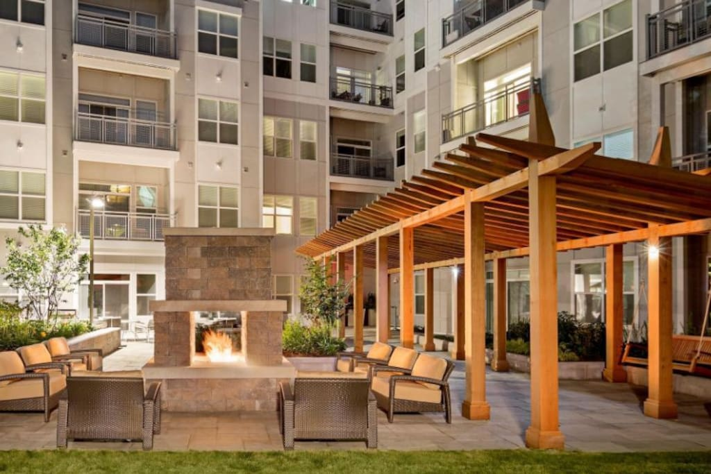 Community courtyard with Grill
