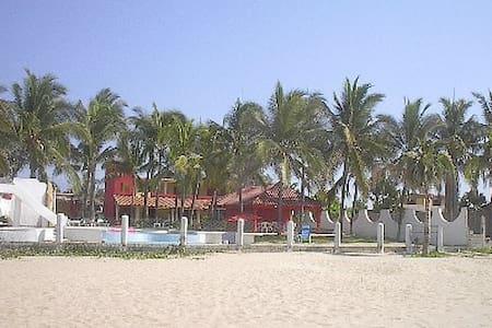 Ocean front Villa room #3 - Acapulco - Vila