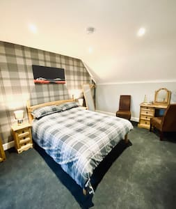 Private King Size Room 1, En Suite, Wick,Highlands