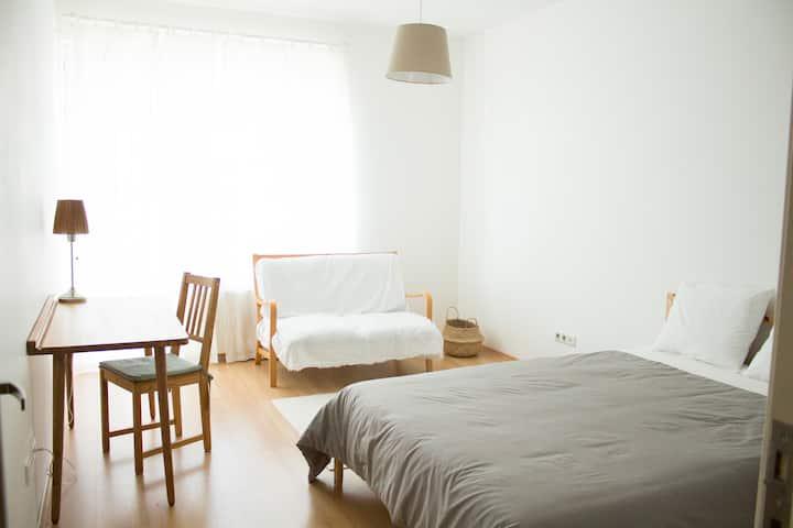 Cosy and Sunny Room in Kadikoy / near seaside