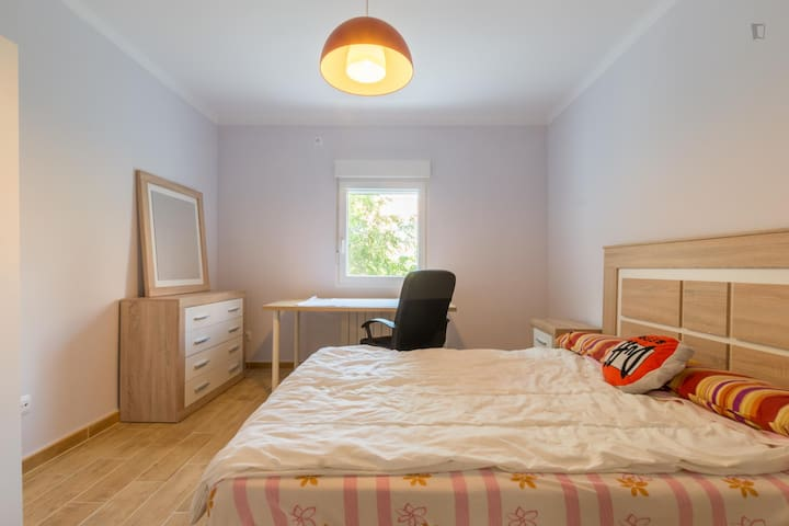 Single&couple! Double bed,big table - Madrid - Ev