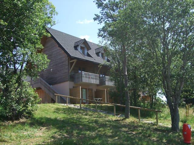 3p6 duplex - Besse-et-Saint-Anastaise - Apartotel