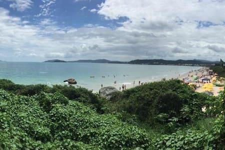 Casa Costão de Jurerê Internacional a 15m da praia