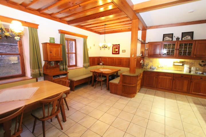 Spacious Holiday Home in Obervellach im Mölltal with Garden