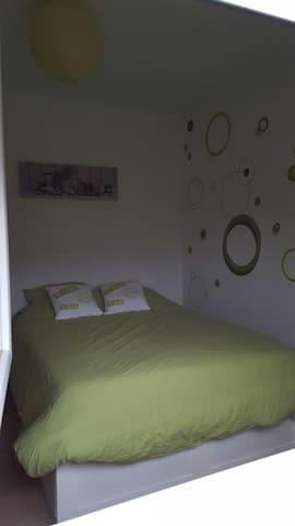 Chambre privée dans maison 130 m2 avec jardin