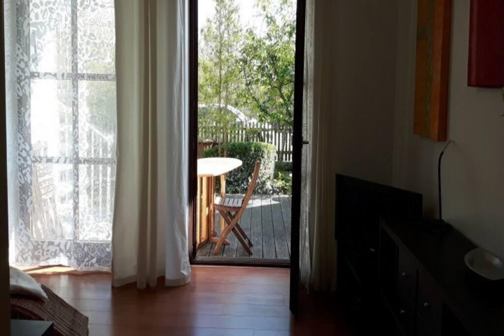 wohnung mit garten whirpool nahe fluss angebot. Black Bedroom Furniture Sets. Home Design Ideas