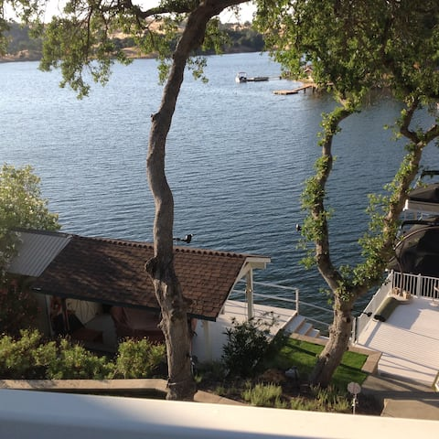 Lake Tulloch South Shore, Lake Front House