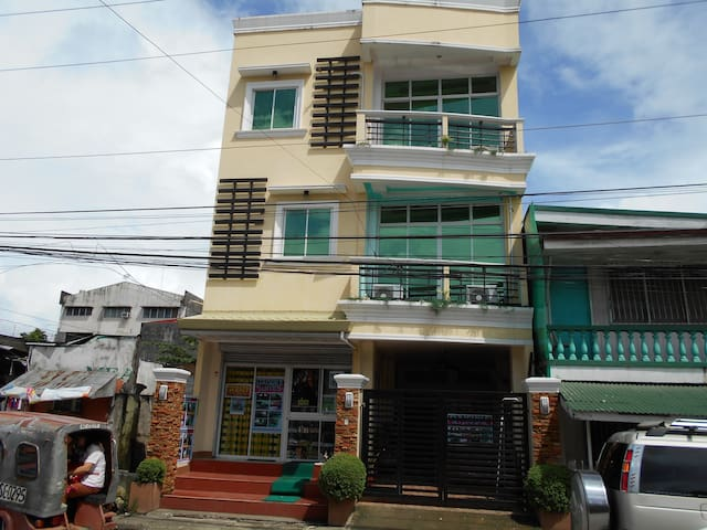 Siargao Island visit can stay at DAISUKE SUITES - Surigao City - Departamento