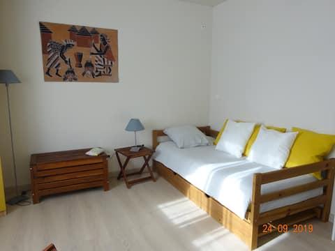 Chambre individuelle dans maison St Priest village