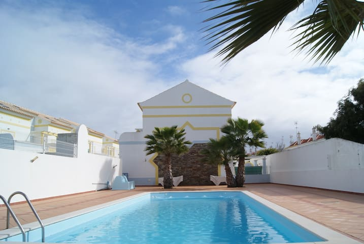 Brand new Villa with 3 bedrooms, amazing location - Manta Rota