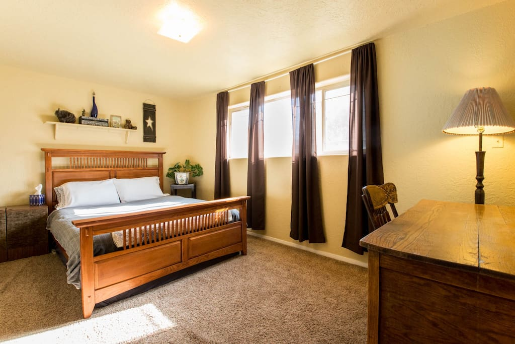 NEW PICS! Queen bed offers an incredibly comfortable sleep!!