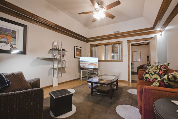 1BR Cozy Cooper Young Home-Former Recording Studio