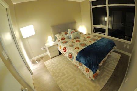 Mandarin Residence 1br+den - Richmond
