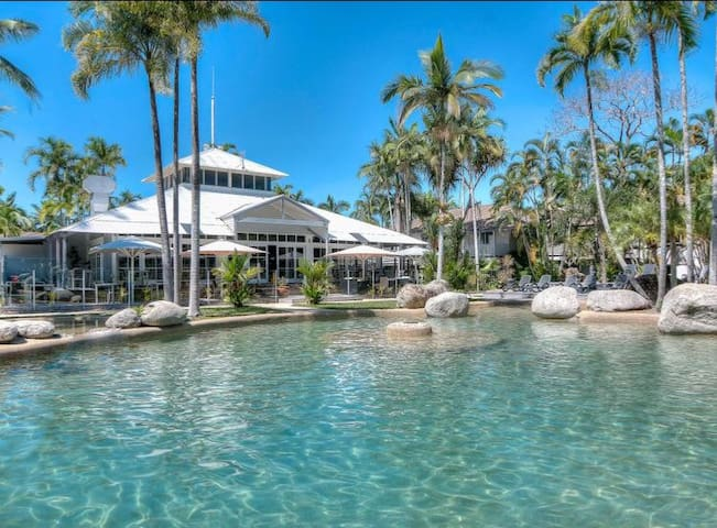 Port Douglas self-contained Villa in Rydges Resort