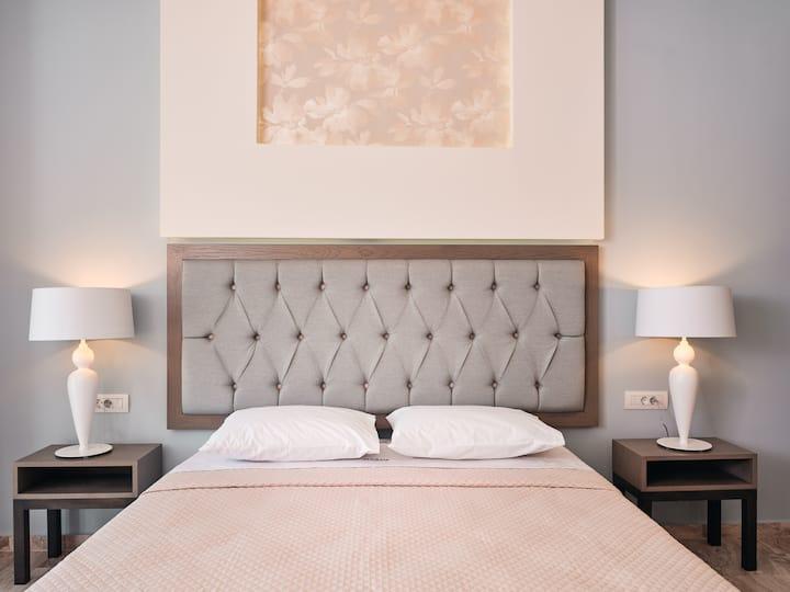 Mavrias Deluxe Two Bedroom Apartment in Tsilivi!