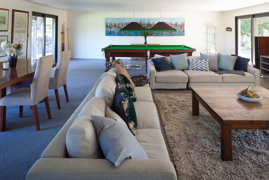 Large living/dining area with billiard table and wi-fi