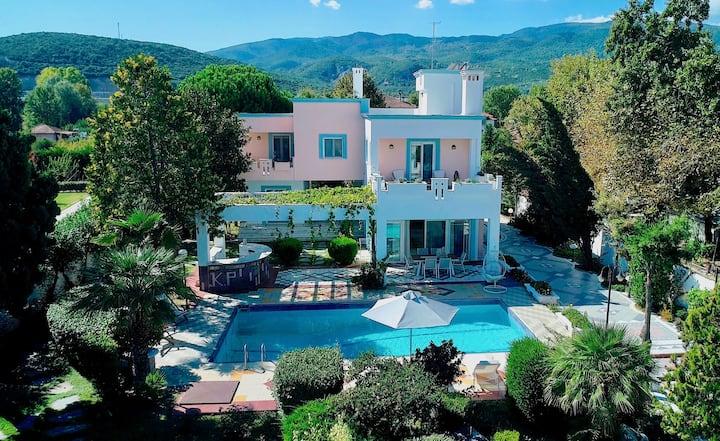 "Luxury Beachfront Villa ""IO"" with private pool"